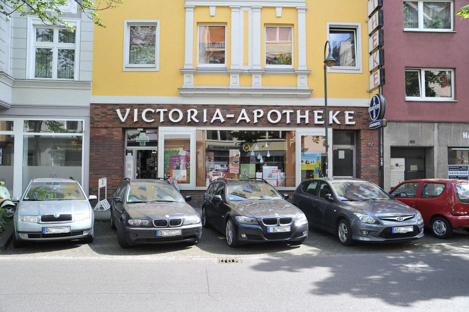 Victoria Apotheke, Ackerstraße 157, Flingern at Night 2016